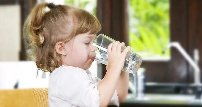 健康饮水|教育部发布中小学膜处理饮水设备标准:宜采用超滤、纳滤的过滤方式,不宜采用反渗透过滤方式